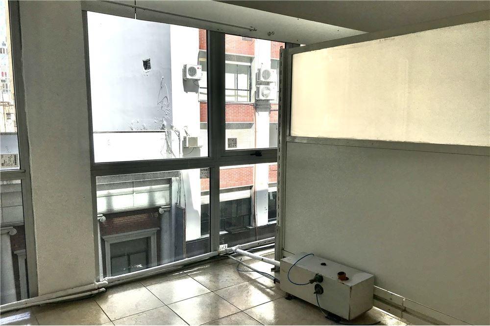 oficina 3 ambientes microcentro amplia y luminosa