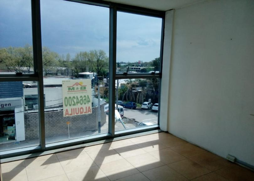 oficina 31 m2 pilar point! vista a ruta 8!