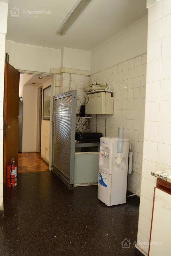 oficina 4 ambientes en palermo. cercanía subte d