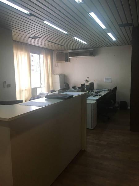 oficina 4 ambientes sobre avenida maipu. - avenida maipu 2233