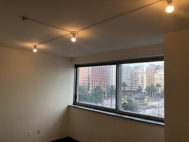oficina 99m2 en alquiler plaza independencia muy luminosa