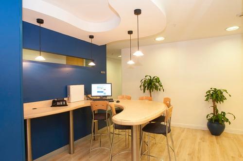 oficina a+ en catalinas - amueblada y servicios incluidos