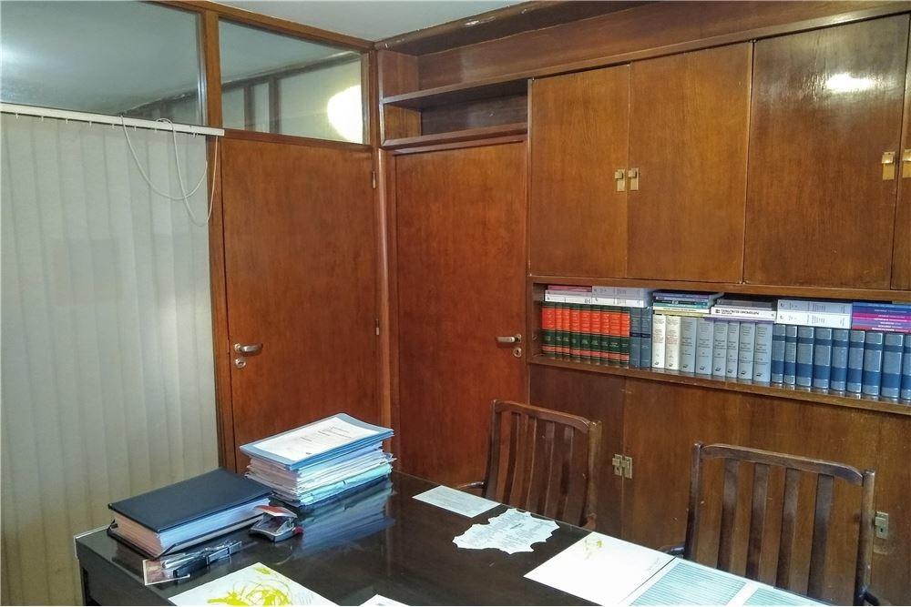 oficina a la calle 3 privados centro 45 m2
