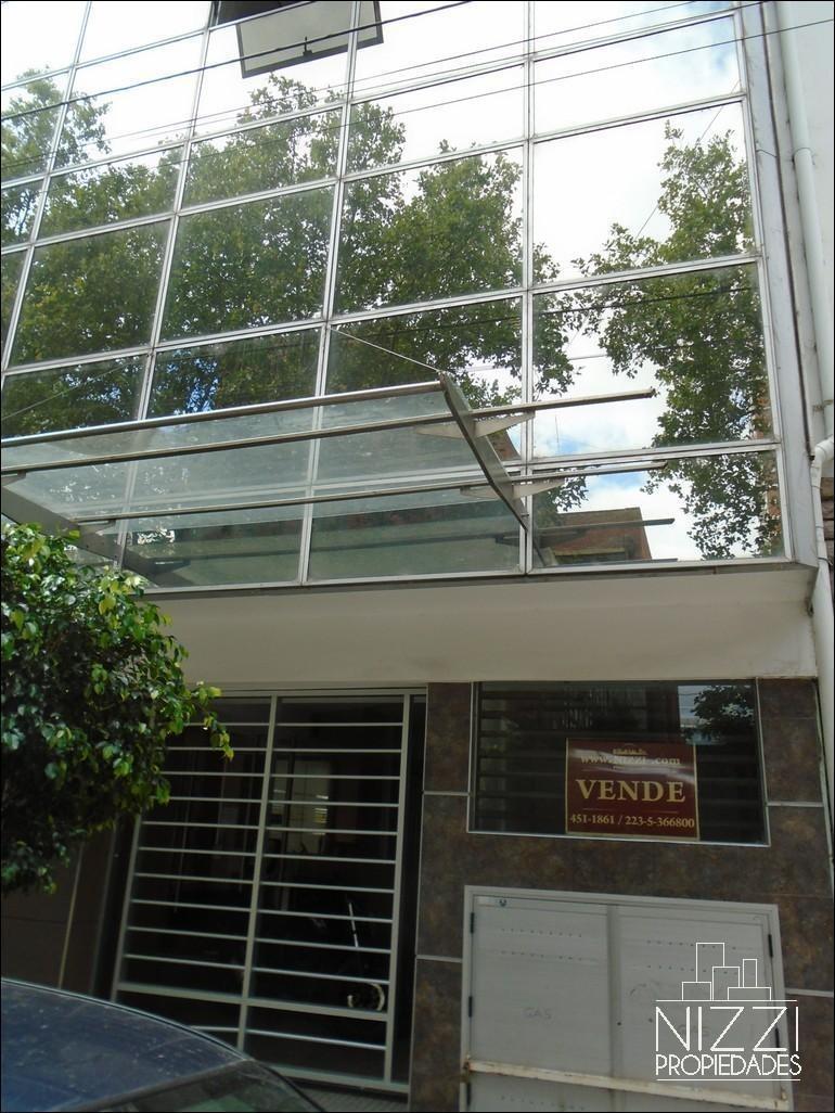 oficina a la calle edificio semi nuevo - centro