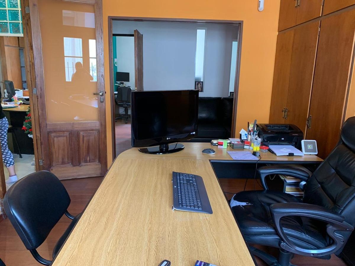 oficina amoblada amplia/ departamento 3 ambientes montserrat