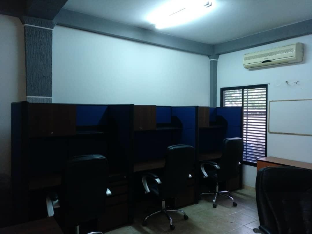 oficina amoblada en alquiler cc cotoperi valencia carabobo