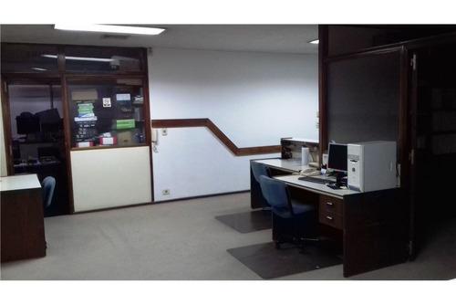 oficina amplia en el mejor lugar del microcentro