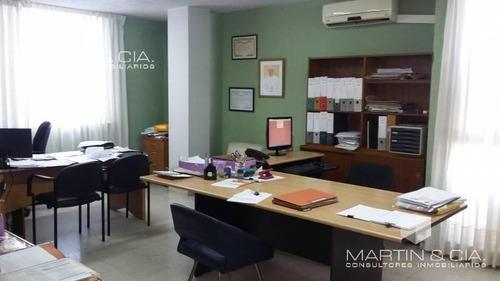 oficina amplia en venta a 5 minutos del centro