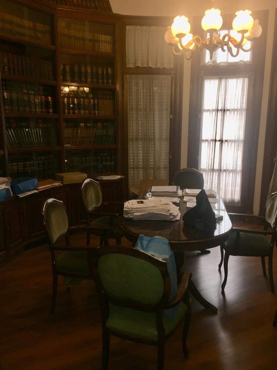 oficina centrica de 200 m2 en edificio clasico