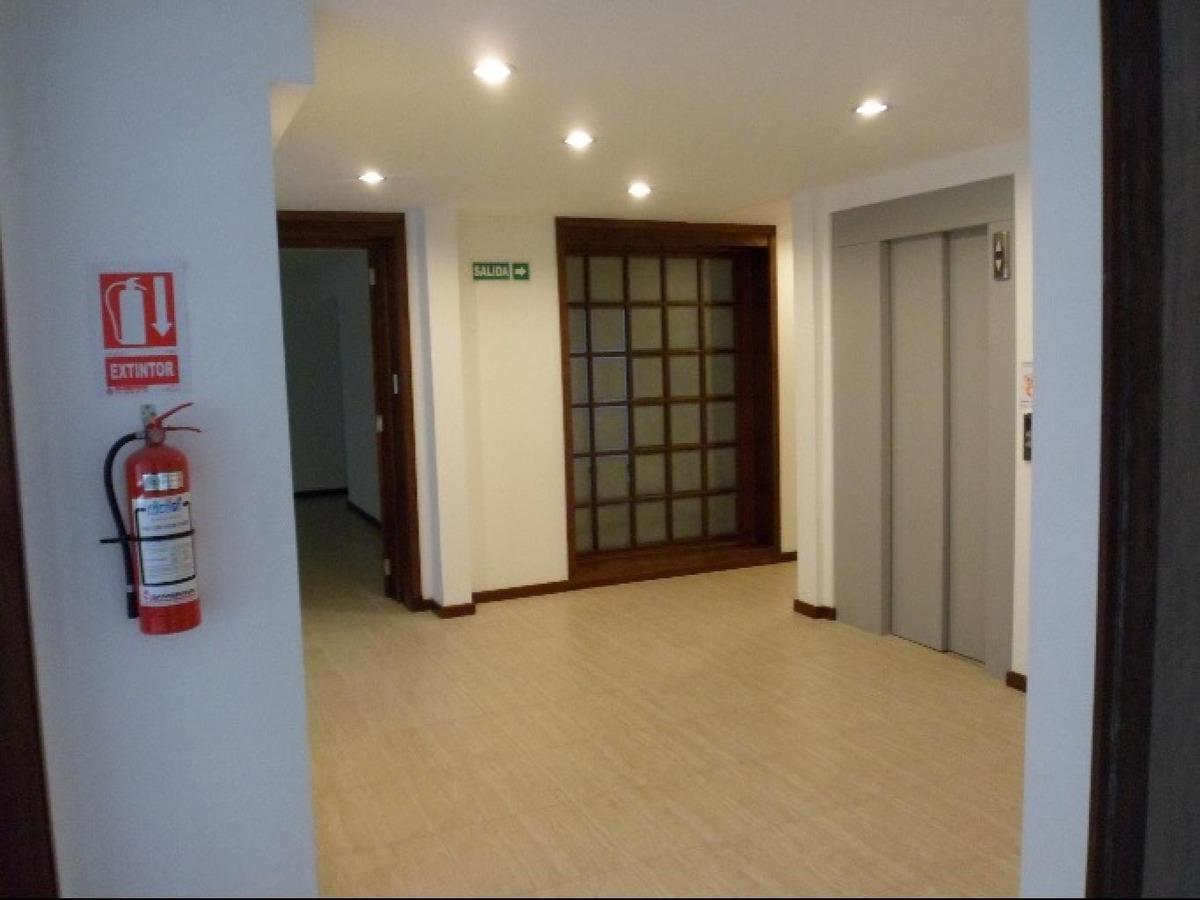 oficina centro alquiler soriano y florida, 300 mts divisible, kitchenette y 2 baños.