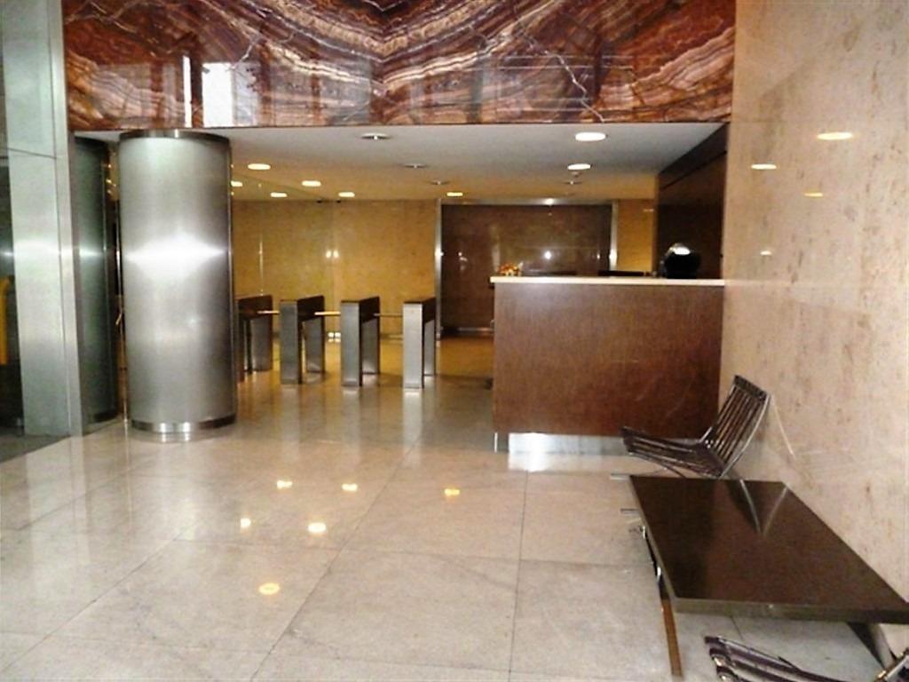 oficina comercial - 2 cocheras - corredor libertador