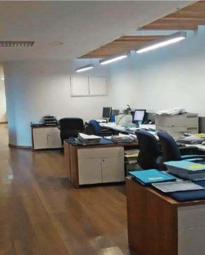 oficina comercial aaa en renta