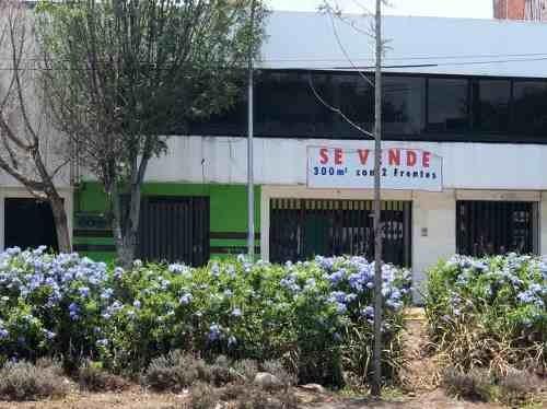 oficina comercial en renta sobre constituyentes