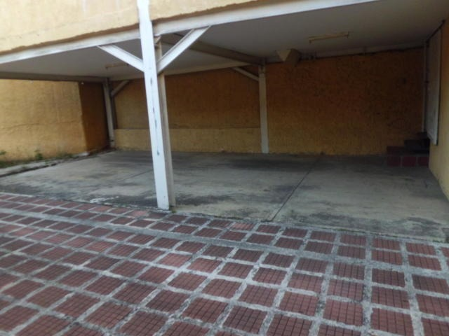 oficina comercial  en venta  cabudare  al 20-809