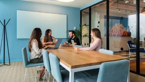 oficina completamente equipada para 11-20 personas en reforma.