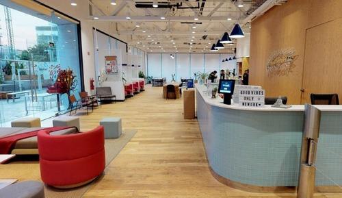 oficina completamente equipada para 15-20 personas. ac