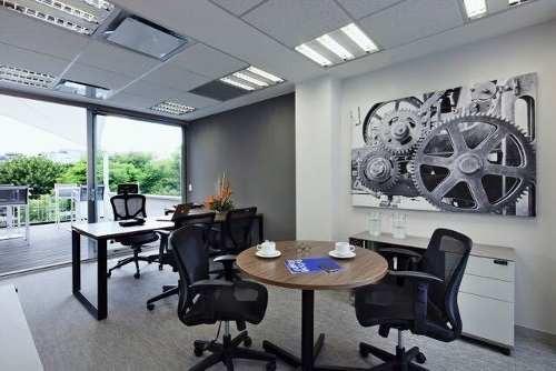 oficina completamente equipada, todos los servicios incluidos para 6 personas