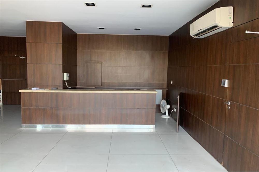 oficina con cochera en puerto madero
