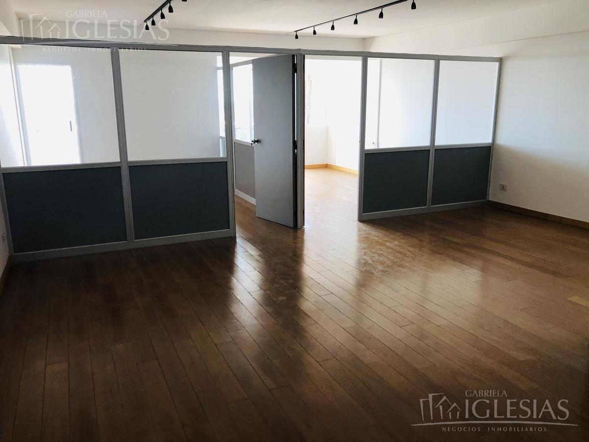 oficina con dos cocheras cubiertas venta y alquiler - puerta norte