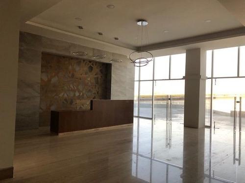 oficina con excelente ubicación en el campanario qro. $84,000