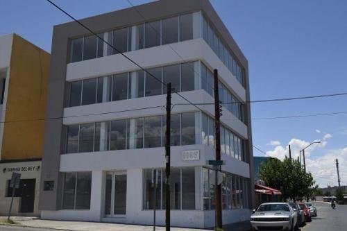oficina con excelente ubicacion y con todos los servicios incluidos