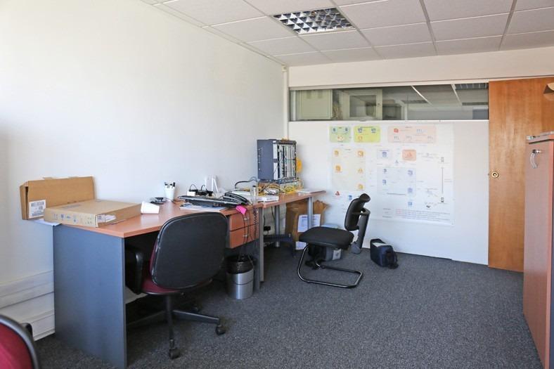 oficina con renta sobre plaza independencia