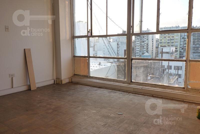 oficina de 2 ambientes en el barrio de congreso al cfte. con vista abierta