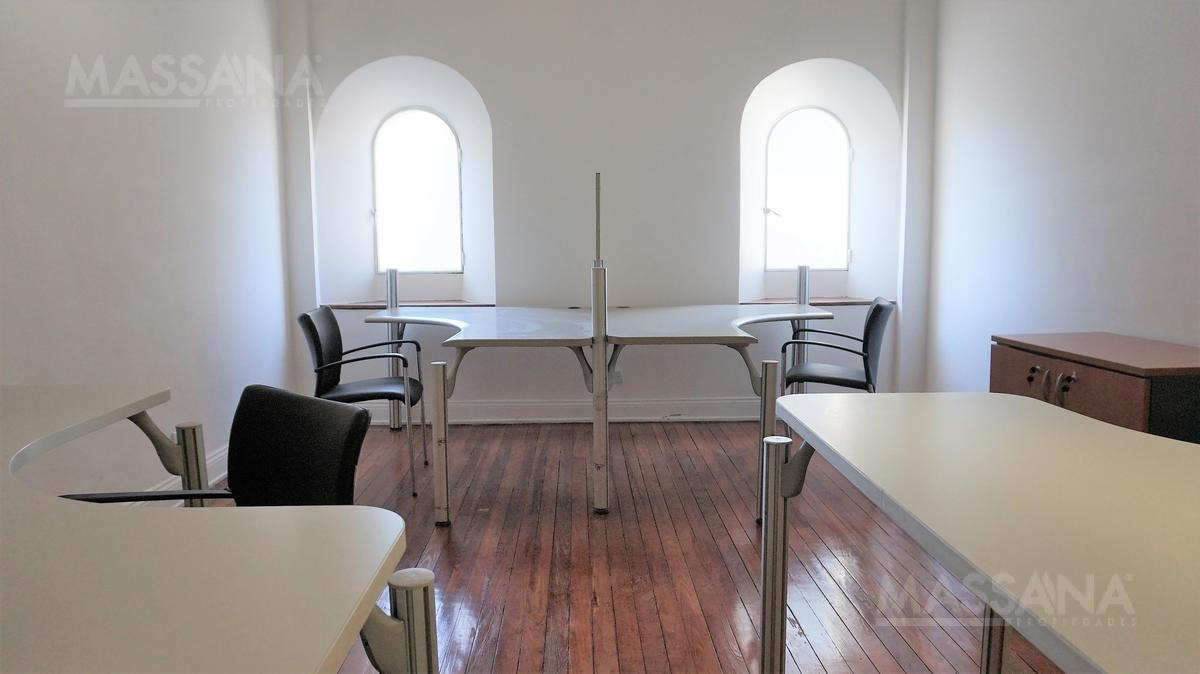 oficina de 241m2 totalmente renovada en edificio de estilo - tribunales
