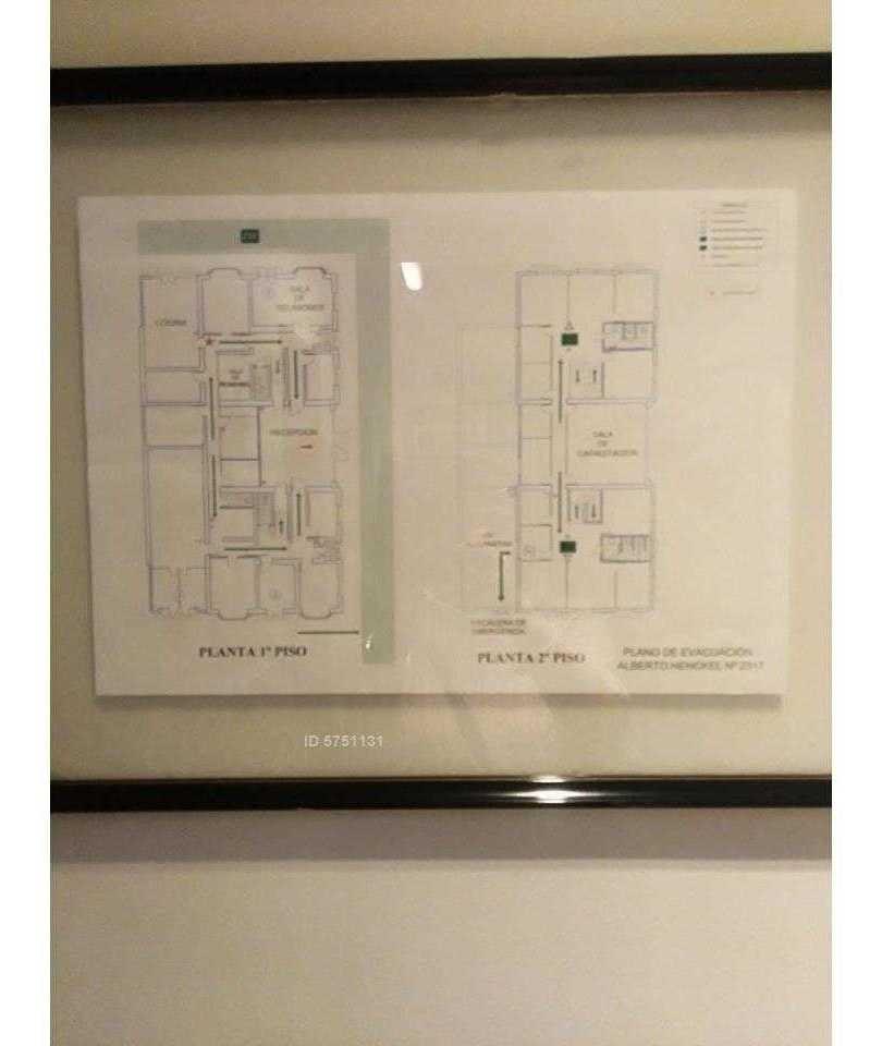 oficina de 25 privados en 2 pisos suecia / eliodoro yañez