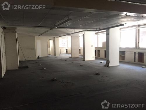 oficina de 250 m2. el precio de alquiler incluye expensas y abl.
