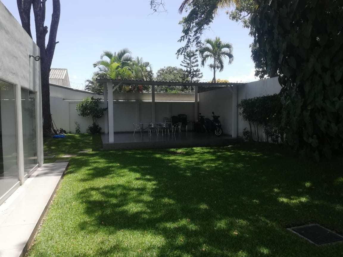 oficina de 300 m2 en avenida la capilla san benito