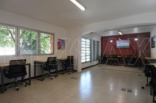 oficina de 45m2 amueblada y con servicios