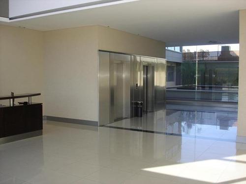 oficina  de 50 m2 en alquiler en pilar