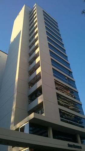 oficina de 52m con cochera cubiera en edificio corporativo con excelentes accesos y vistas