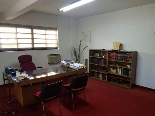oficina de 60 m2 amoblada + 2 despachos + recepción + baño