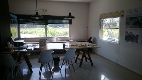 oficina dueño directo, muy buena ubicación, vista y luminosa