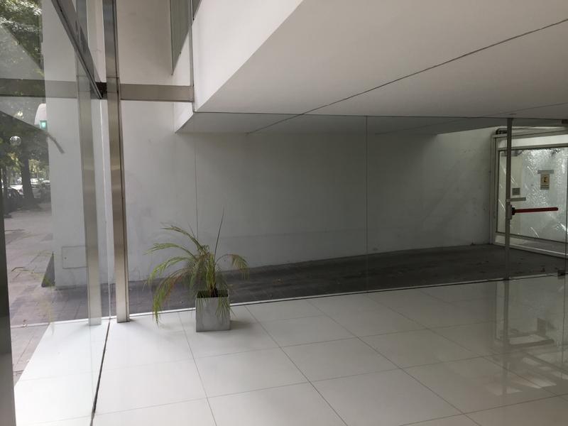 oficina en 53 /8 y 9 la plata - alberto dacal propiedades