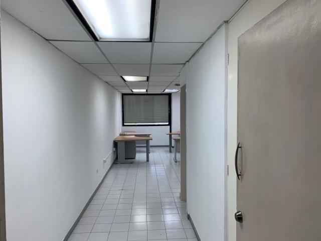 oficina en alquiler de 70 mts, en colinas de bello monte h c