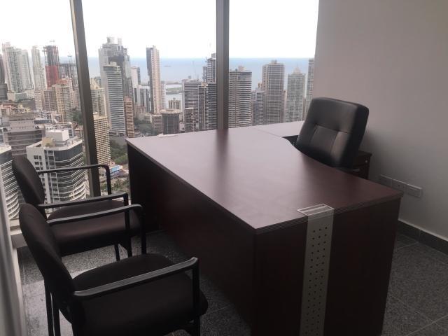 oficina en alquiler en avenida balboa 20-8303 emb