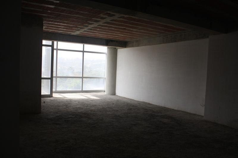 oficina en alquiler en los dos caminos (mg) mls #17-2269