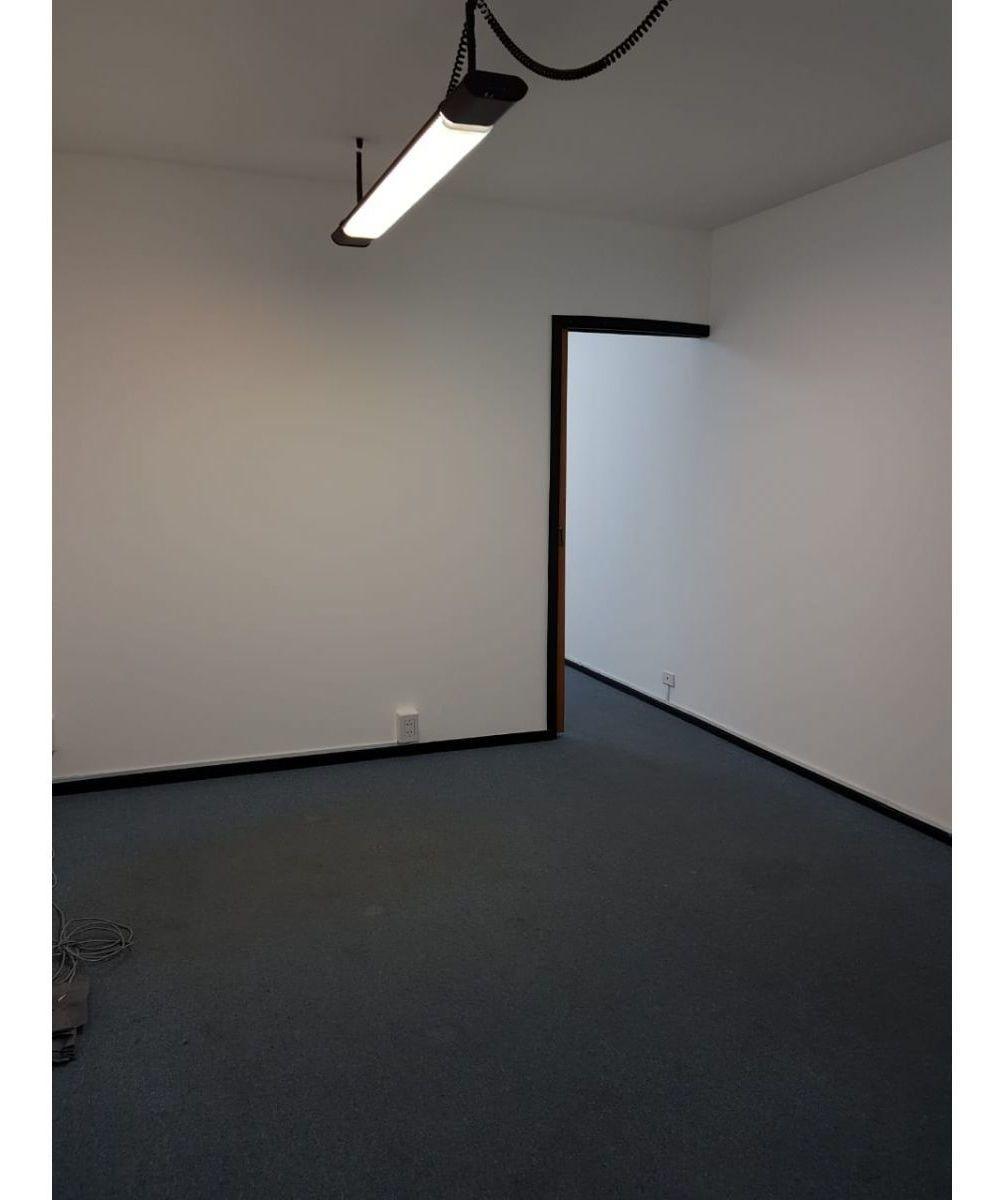 oficina en alquiler - galería la favorita