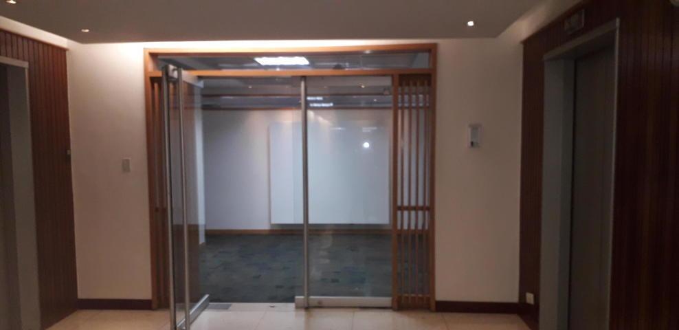 oficina en alquiler los palos grandes  mls #19-11352