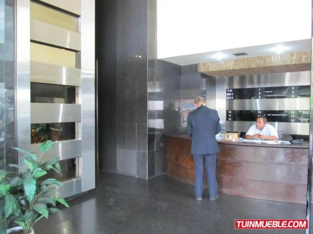 oficina en alquiler plaza venezuela  cod 16-17957