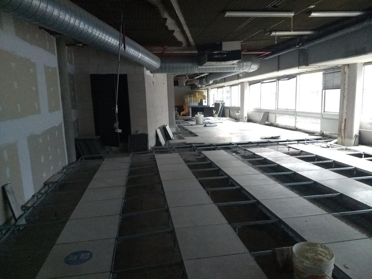 oficina en alquiler - puerto madero - 160 m2