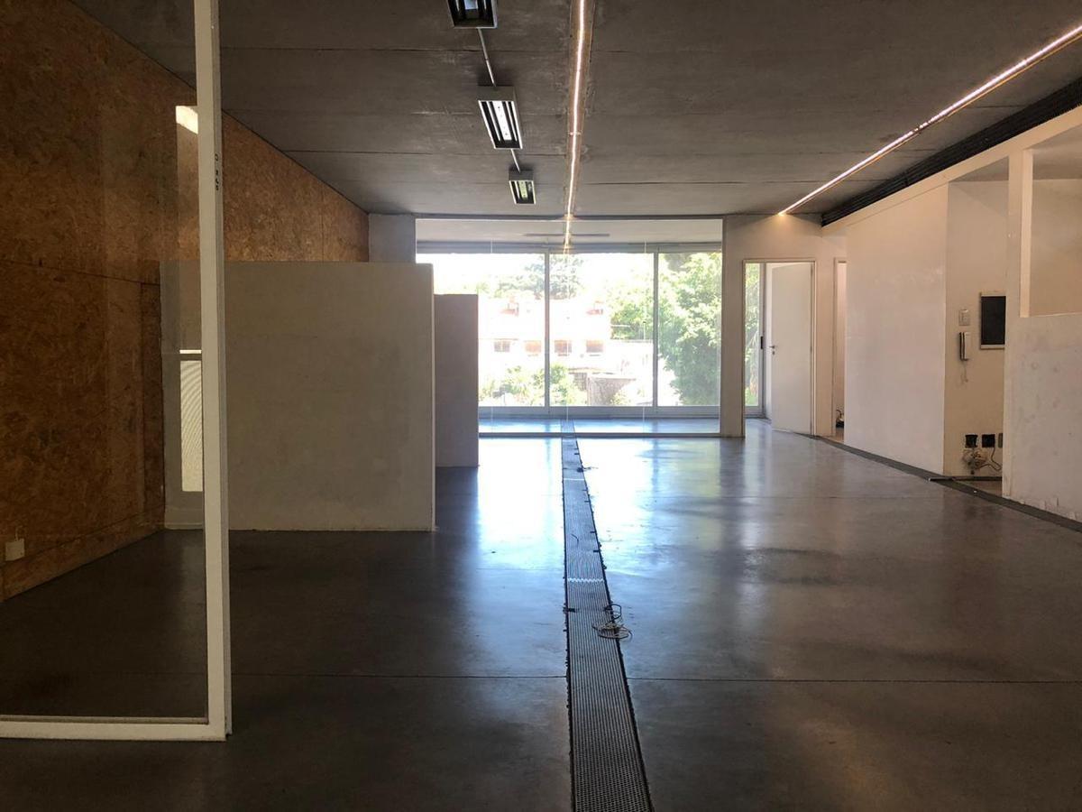 oficina en alquiler, saavedra. edificio corporativo con presencia, terraza y sala de reuniones