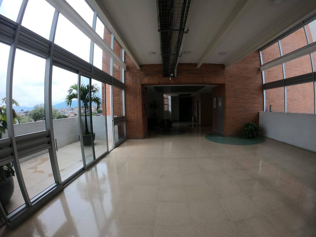 oficina en arrendamiento en uniplex