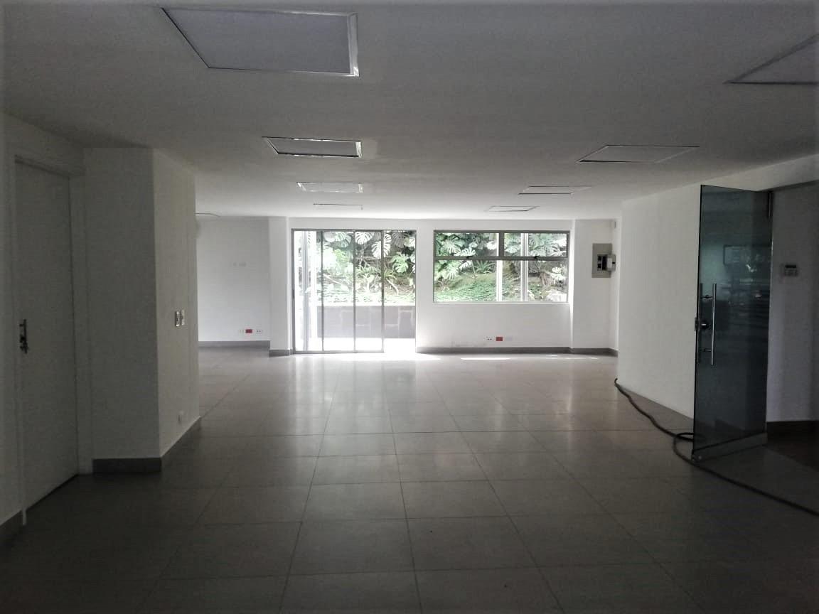 oficina en arriendo aguacatala 473-7143