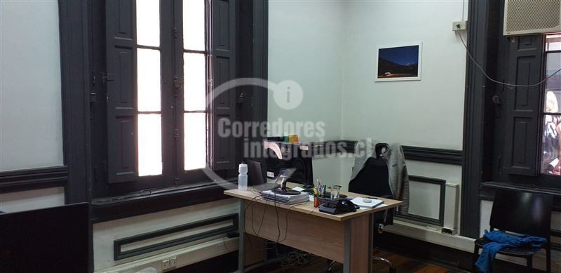 oficina en arriendo de 7 privados en providencia