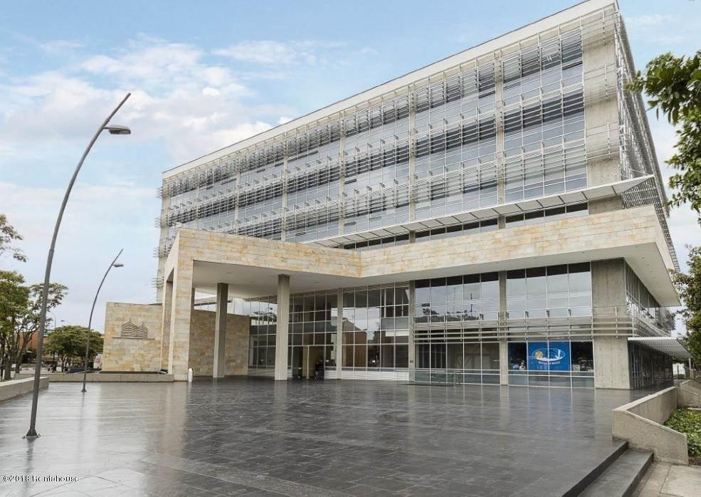 oficina en arriendo zona franca mls 19-454 fr