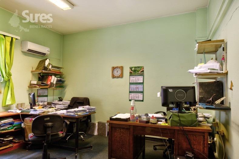 oficina en ciudad vieja para reciclar